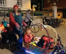 Cargobike Ruth-Anna with tiny baby and family